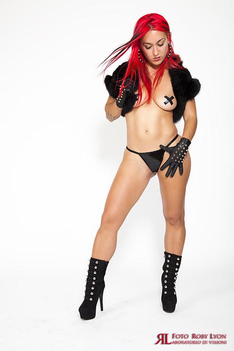 ragazza sexy rossa di capelli